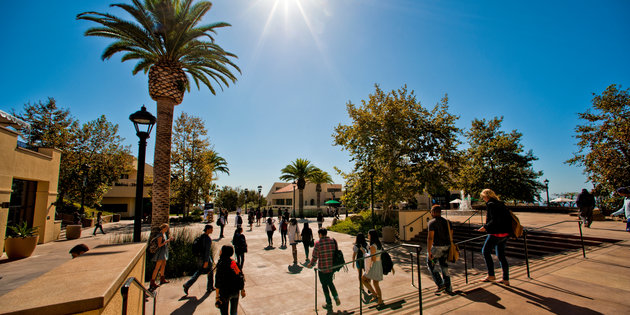Students visit campus - Pepperdine University