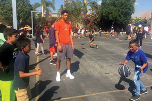Pepperdine men's basketball player volunteering