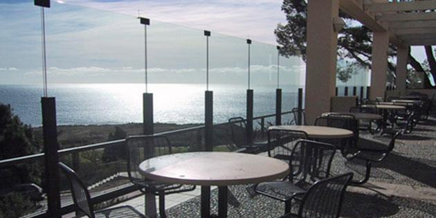 The outdoor seating area of Waves Cafe at Pepperdine University