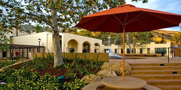 An outside seating area at Pepperdine University
