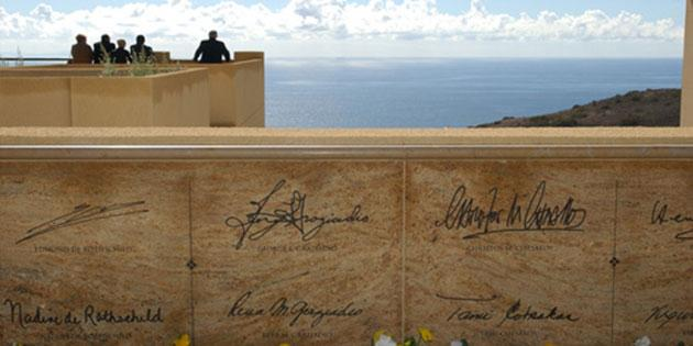 Signatures on the wall at Pepperdine University