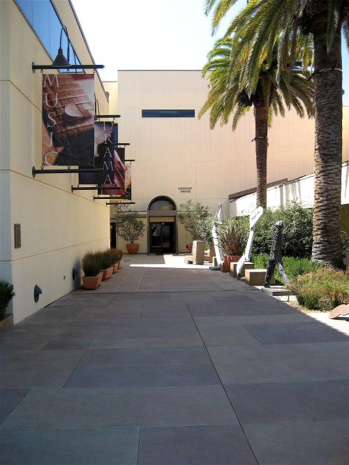 Lindhurst Theatre Courtyard between museum and CFA offices
