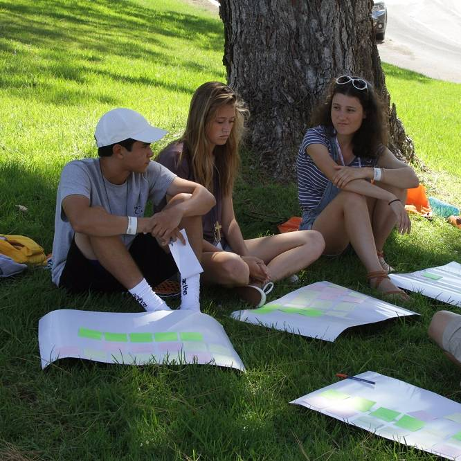 Students on the lawn - Pepperdine University